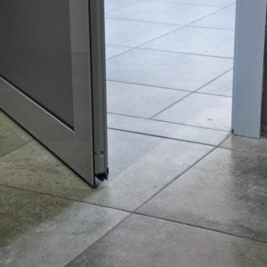 Пошаговая инструкция по установке межкомнатных дверей без порога