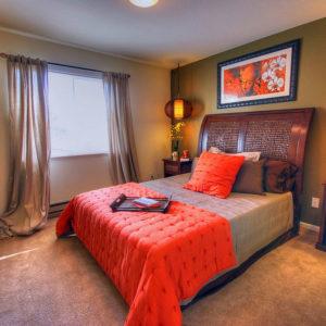 Как поставить кровать в спальне: фэншуй и принципы организация пространства